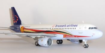 Airbus A320 Brussels Airlines Belgian Red Devils Herpa Model Scale 1:200 556446 OO-SND Eb